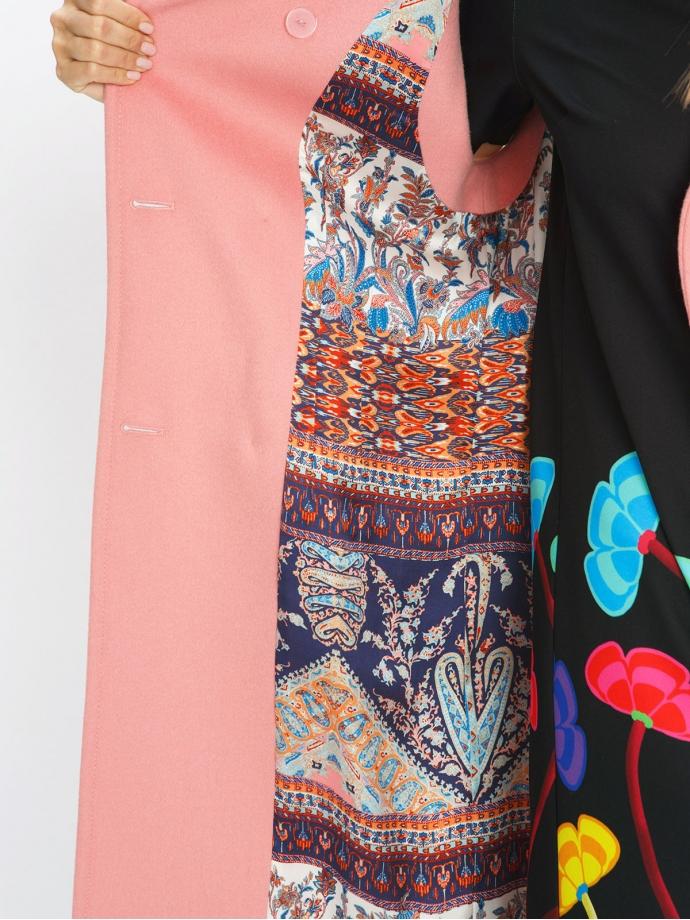 Пальто без рукавов розовое
